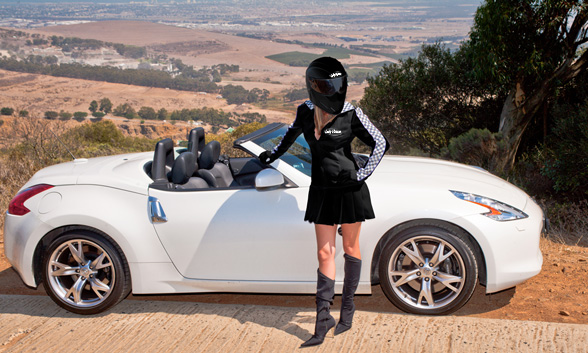Lady Vitesse test drives the Nissan 370Z